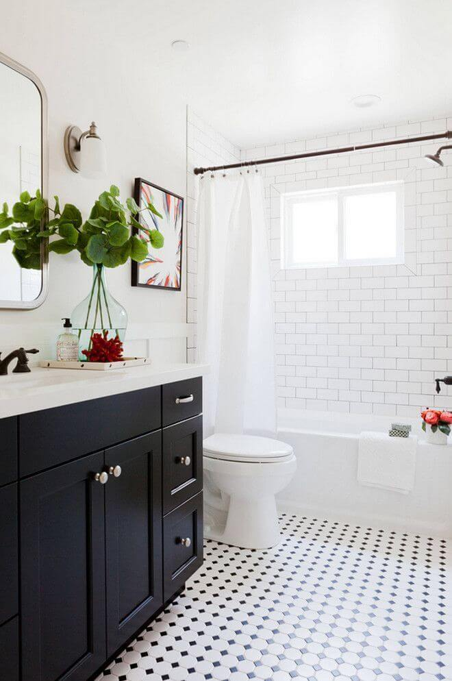 Black and White Bathroom Color Ideas