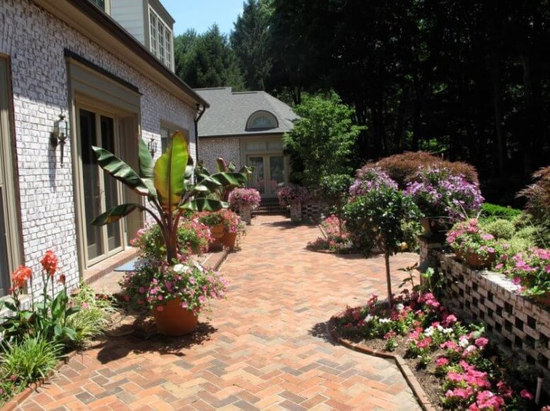 backyard patio ideas pavers