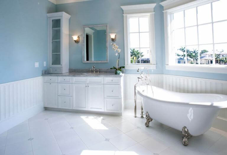Pale Blue and White Bathroom Color Ideas