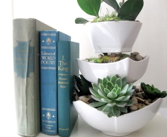 Book Holder on the Shelf DIY Home Decor Ideas