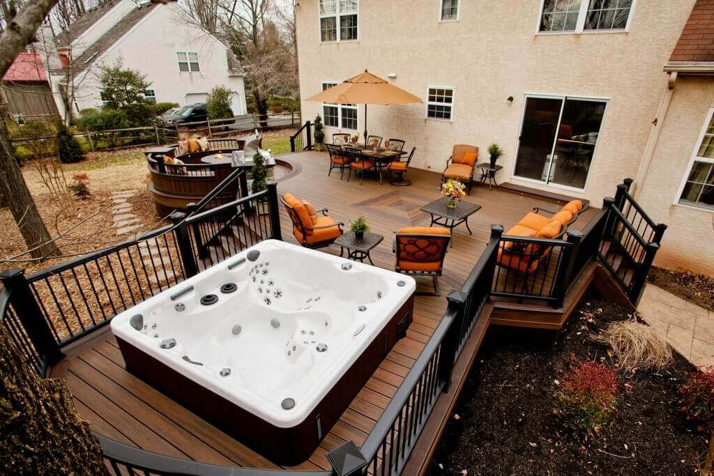 Astonishing backyard patio ideas hot tub