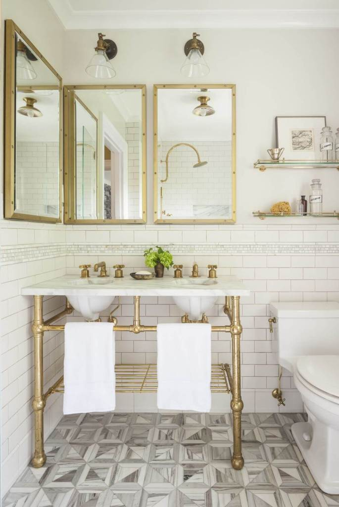 Gorgeous gold bathroom style