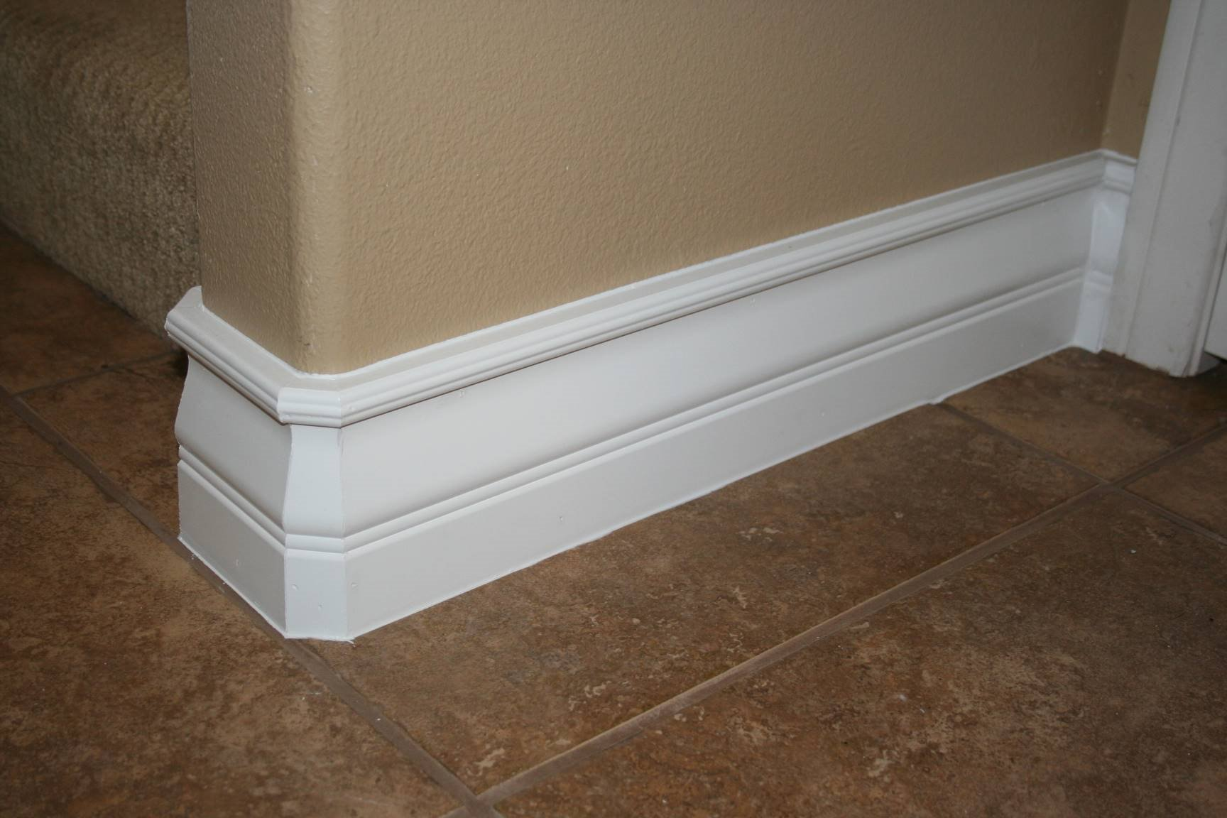 Sculpted Mid-Height Baseboard Molding Ideas
