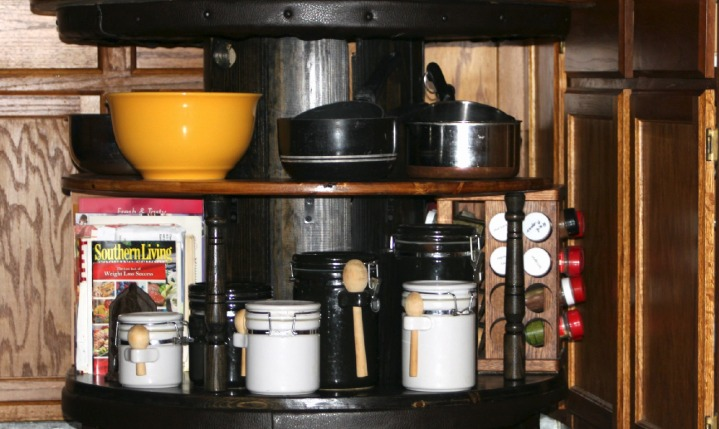Portable Lazy Susan for kitchen storage